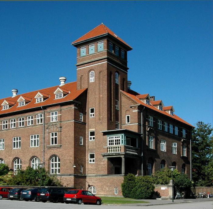 Bispebjerg Hospital – ved hovedindgangen.
