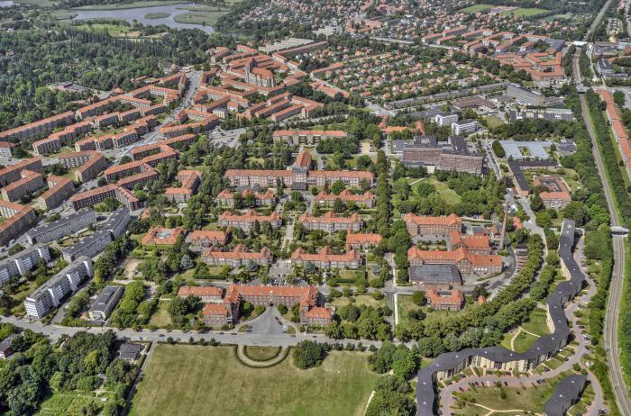 Luftfoto af hospitalsområdet.